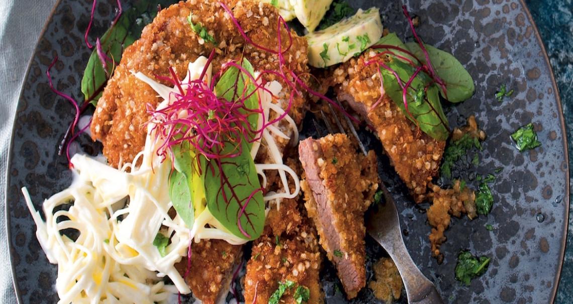 Telecí řízek s quinoou a bylinkovým máslem