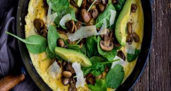 Špenátová omeleta se žampiony